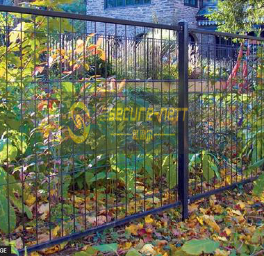 Double roll top welded fencing